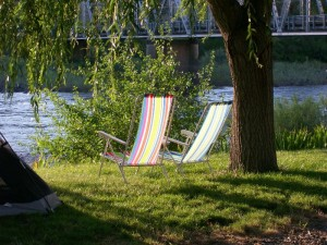 Lawn chairs by the Salmon River at Swiftwater RV Park in White Bird ID