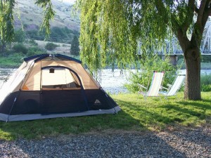Swiftwater RV Park offers riverside tent camping.